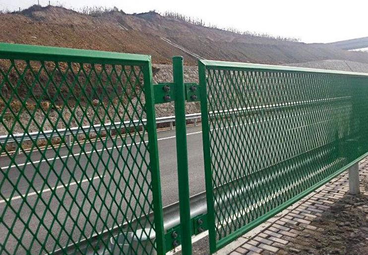 菱形防眩网配圆形立柱安装案例