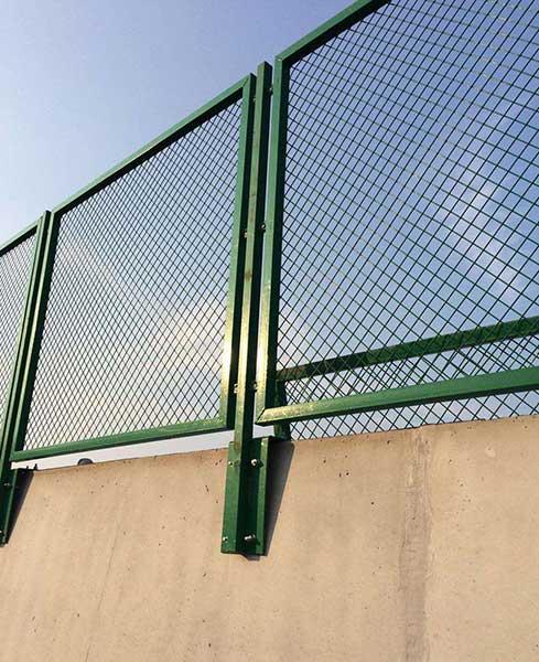 山西某条高速公路防眩网隔离栅案例