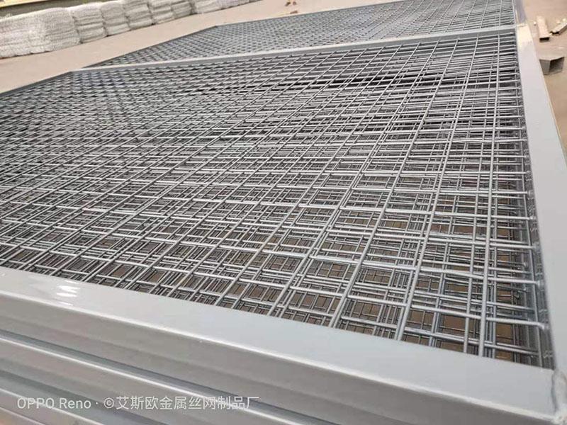 北京某客户高速桥下停车场隔离栅案例